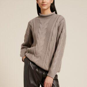 sweter wełniany beżowy ze stójką z półgolfem