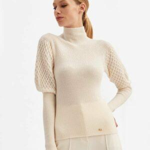 kremowy sweter z puflami na rękawach luisa spagnoli