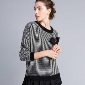 Dwukolorowy sweter w paski z koronką